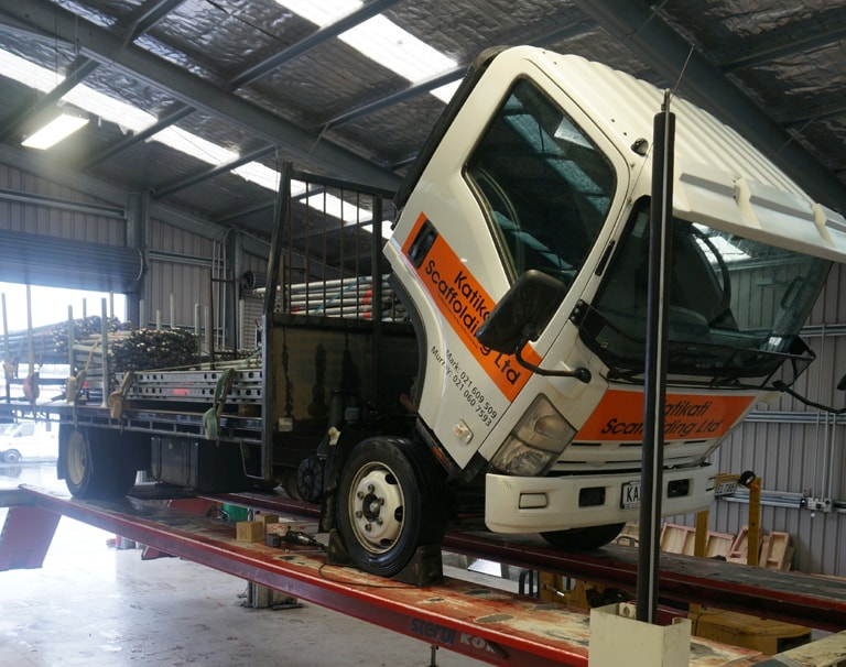 TRUCK AND HEAVY VEHICLE SERVICING